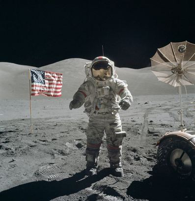 apollo_17_cernan_on_moon-1